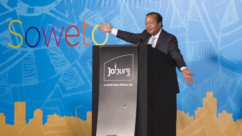 9-141125-Soweto-VIP-0818-800