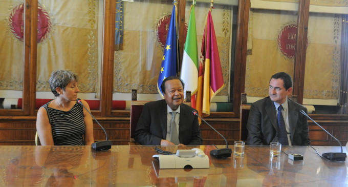Peace in the Classroom: Prem Rawat Addresses 4,100 Italian Students