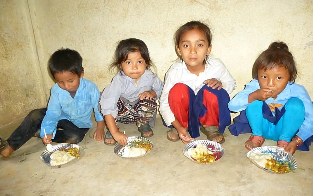 La TPRF espande il suo programma alimentare in Nepal