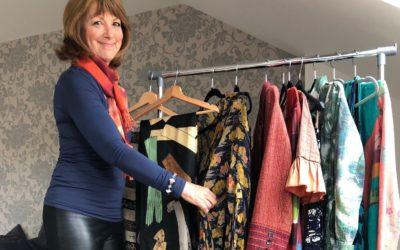 Mercadillo de ropa en Escocia a beneficio de la Fundación Prem Rawat