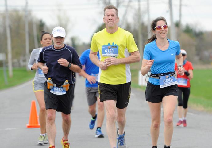 Stephen de Lorimier recauda fondos participando en maratones