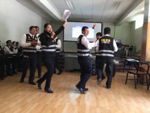 Cusco, Perú educazione alla pace polizia danza