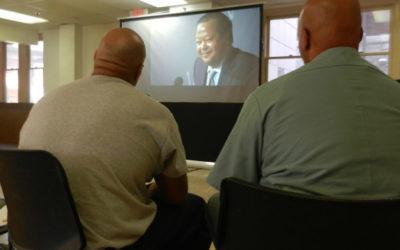 """In einem Video der """"Lockdown""""-Serie thematisiert Prem Rawat die Auswirkungen des Friedens-Bildungs-Programms auf Strafgefangene"""