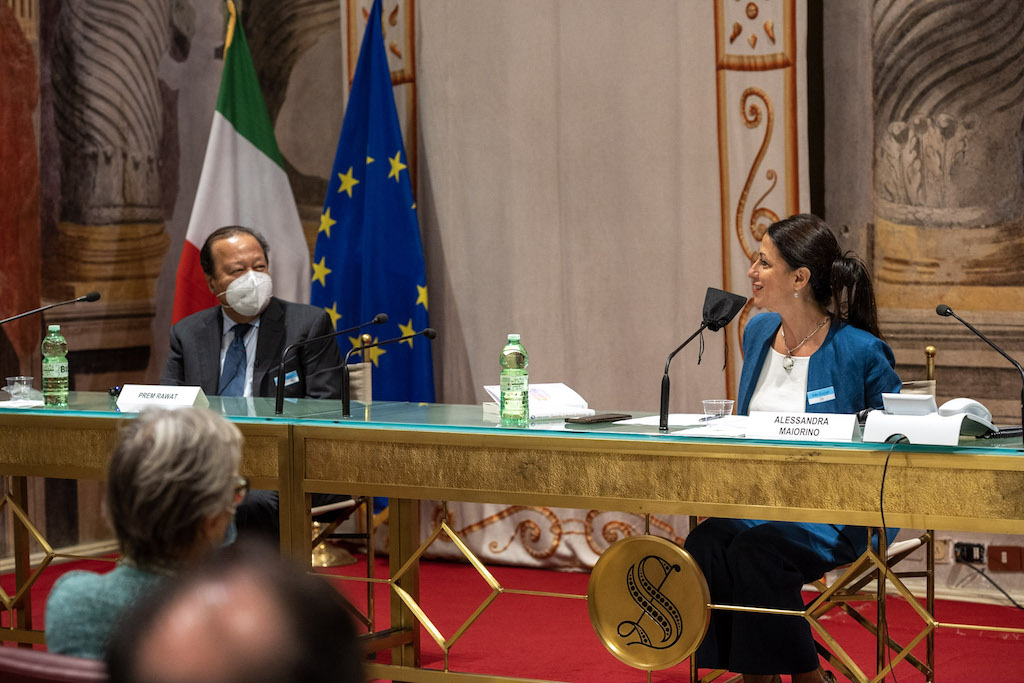 Senator Alessandra Maiorino was among the Italian officials who spoke to Prem Rawat about the Peace Education Program.