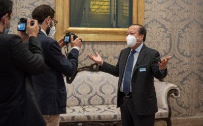 O Noticiário Italiano Cobre Prem Rawat e o Programa de Educação para a Paz